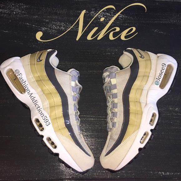 16c16c1fbec4 Nike Air Max 95 Women s Light Bone Grey Sneakers